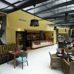 Cafe Bar & Grill