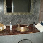 bathroom, riad 2