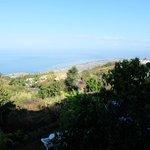 Vue sur l'océan depuis la terrasse