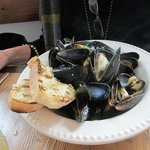 mussels in hearty broth