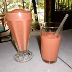 Best smoothies with natural fruits.
