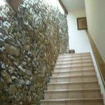 Escalera de acceso a la habitación