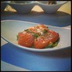 Salmón coagulado y guacamole