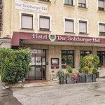 Hotel Salzburger Hof entrance