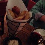 Fat chips and balsamic mayonnaise. Yummy!