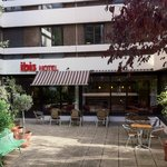 Photo de Ibis Paris Pont de Suresnes