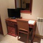 escritorio y television