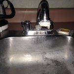 Disgusting kitchenette sink