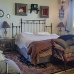 The Cowboy Room with Jacuzzi tub, Fireplace, patio