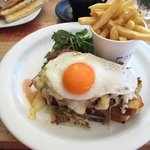 Steak, eggs and chips