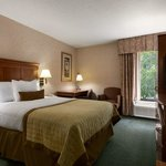 Photo de Baymont Inn & Suites Greenville