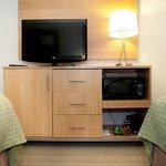 Flat Screens, Microwaves & Refrigerators in EVERY Room!