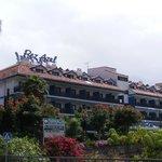 Hotel Pez Azul vanaf de doorgaande weg