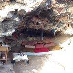 una grotta sotto l'altopiano di Es Vedra