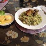 Menú variado y con una sazón casera , también hay comida regional , precios cómodos