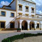 Hotel Cortijo Santa Cruz - Edificio remodelado