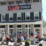 Diners enjoying breakfast on the patio at Dale's Diner