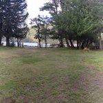 Vista desde el comedor del Refugio del Pescador hacia el Lago Huechulafquen