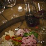 Photo de Senkovna Fine Wine Pub