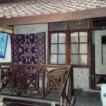 vårt rum med liten veranda