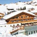 Burg Vital Resort Hotel Oberlech im Winter