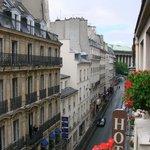 Burgundy, Paris