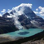 Mount Robson/Berg Lake/Berg Glacier taken from Mumm Basin trail - Mt Robson / Berg lake Trail