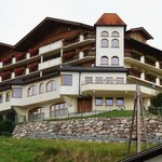 Bardzo ładny hotel.Front.