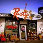 Rusty Retro Antiques & Oddities