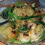 Fried noodles with seafood mixture