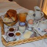 Breakfast in Bed (Ptit dej au lit) chez Caron de Beaumarchais