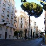 Это улица где отель находится