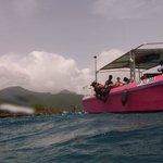 Le bateau rose bonbon Krema du centre des ilets