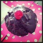 Supersize chocolate (cup)cake
