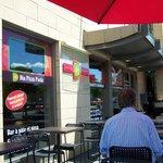 La terrasse extérieure du Dia Pizza Pasta