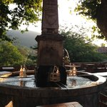 Morning by the fountain.
