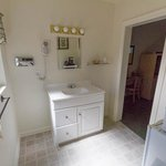 Oversize Sink-fridge room