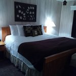 Deluxe King room. Upgraded decor and bathroom area.