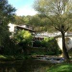 Hotel face à la rivière le Vers