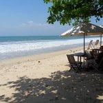 etentje op strand op uurtje rijden vanuit Canggu