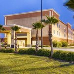Photo of Best Western Plus Brunswick Inn & Suites