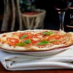 Foto de Alberto's Little Italy Forno & Bar