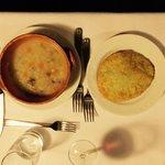 Zuppa d'orzo con tortino fritto agli spinaci e ricotta