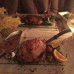 Feuilleté de bœuf et d'escalope de foie gras avec copeaux de truffes