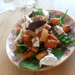 Waarm butternut squash and goats cheese salad