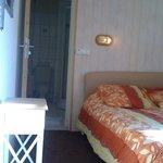 Chambre doucle avec SDB douche WC et draps dans les lits Le Touquet 60€ la nuit pour 2 personnes