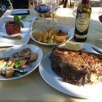 """19 ottobre 2014 - pranzo in giardino. Bistecca,  tartare, patate """"sabbiate"""", porcini spadellati,"""
