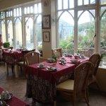 The breakfast sun room