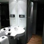 En mycket ren toalett