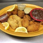 Mariner's Platter (Catfish, Shrimp, Scallops, Crabcake and Stuffed Shrimp)